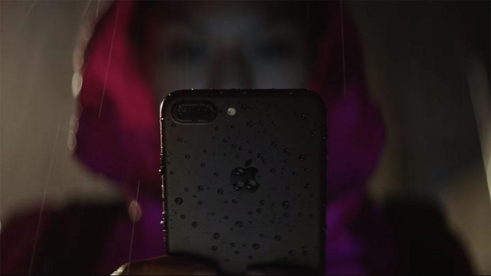 iphone 7 water resistant rain